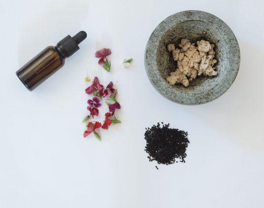 Najpopularniejsze surowce kosmetyczne – olejki dobre dla Twojejskóry iwłosów