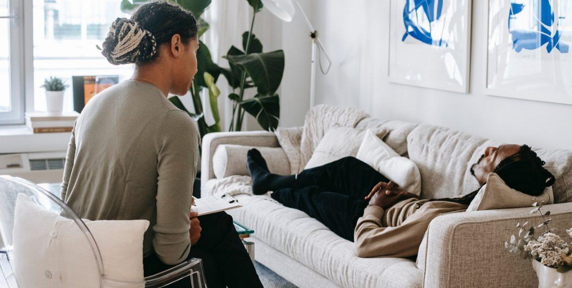 Poradnia psychiatryczna – zjakimi problemami można się tam udać?