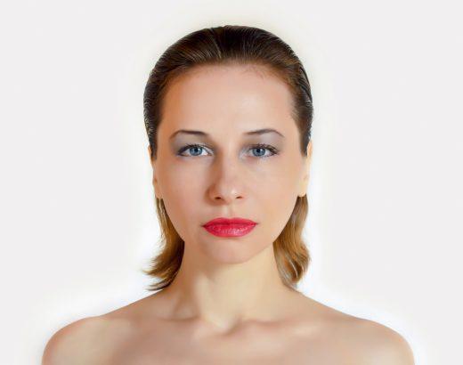 Kwas hialuronowy – czywarto poddać się zabiegom zjego użyciem?